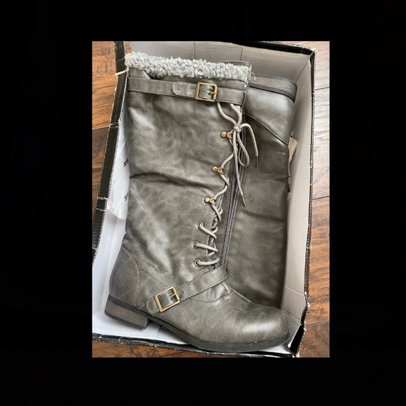 Bumper Shoes - Gray Combat Boots Womens 7 Like New